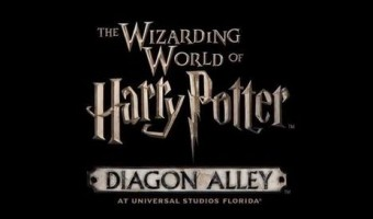 The Wizarding World of Harry Potter – Diagon Alley sneak peak! Take a look at the new Harry Potter and the Escape from Gringotts ride. #DiagonAlley