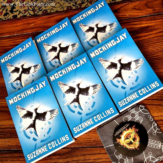 Getting ready for the new MockingJay Part 1 movie by reading the book! #MC #Mockingjay #Sponsored